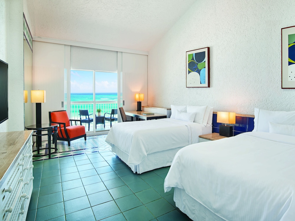 Room, 2 Double Beds, Lagoon View