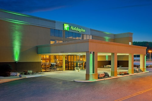 . Holiday Inn Morgantown/Pennsylvania Turnpike Exit 298