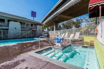 雷德蘭茲 6 號汽車旅館 Motel 6 Redlands, CA