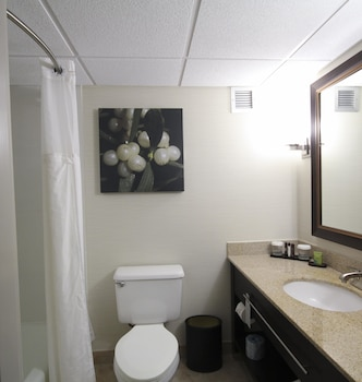 Embassy Suites Oklahoma City Will Rogers Airport - Bathroom  - #0