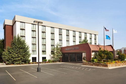 . Embassy Suites Oklahoma City Will Rogers Airport