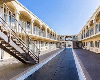 Hotel - Rodeway Inn & Suites LAX