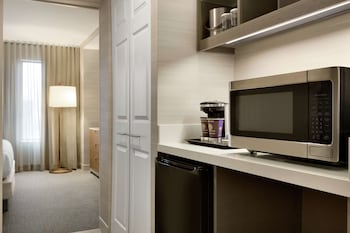 Suite, 1 King Bed (City Skyline)