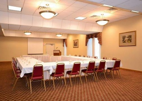 Quality Inn & Conference Center, Venango