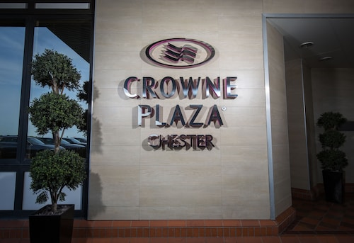. Crowne Plaza Chester