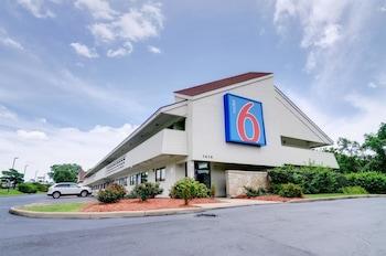 Hotel - Motel 6 Kansas City, MO