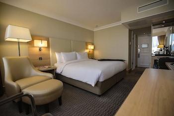 Executive Room, 1 Double Bed, Non Smoking (Runway View)