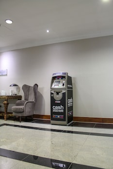 敷地内の ATM