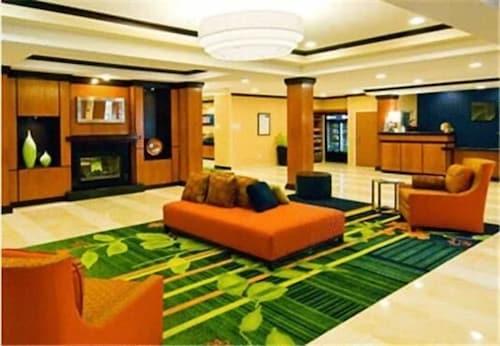 . Fairfield Inn & Suites by Marriott Plainville