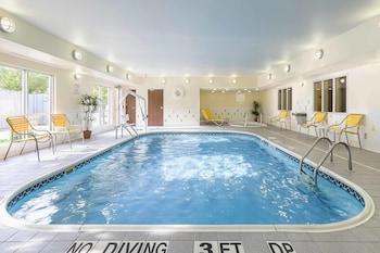荷蘭費爾菲爾德套房飯店 Fairfield Inn & Suites Holland