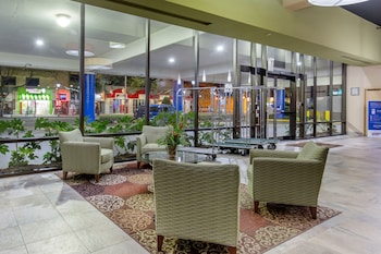 Lobby Sitting Area at Comfort Inn & Suites Virginia Beach – Oceanfront in Virginia Beach
