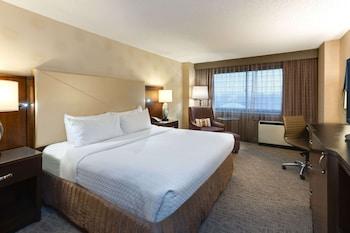 Superior Room, 1 King Bed, Corner (Corner)