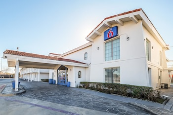 Motel 6 Grand Prairie - Interstate 30
