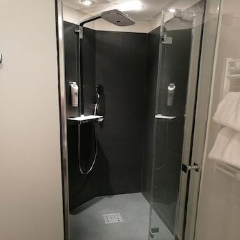 ibis Besancon Centre Ville - Bathroom  - #0