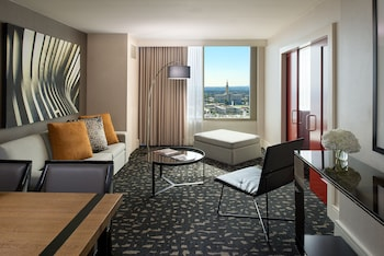 Suite, 1 King Bed, View (SPA, Skyline View)
