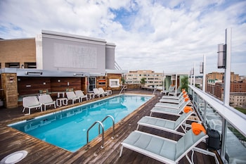 Hotel - Donovan Hotel