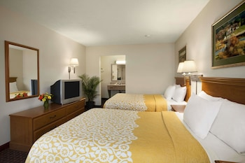 Guestroom at Days Inn by Wyndham Alexandria in Alexandria