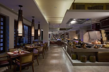 Manila Peninsula Restaurant