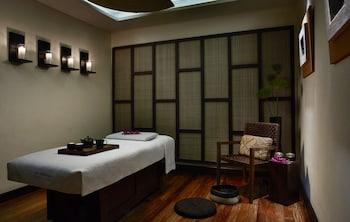 Manila Peninsula Treatment Room