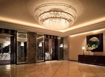 Manila Peninsula Hotel Interior