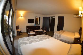 Superior Suite, 2 Bedrooms, 2 Bathrooms, Lake View