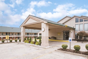 Days Inn by Wyndham Wytheville photo