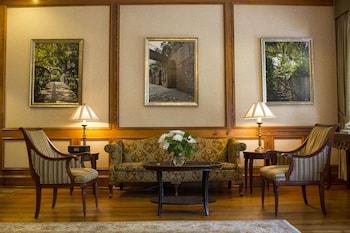 Lobby Sitting Area at River Street Inn in Savannah