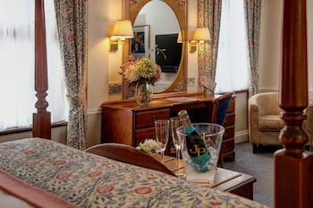 Superior Room, 1 Double Bed, Non Smoking (Four Poster Bed)