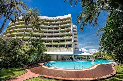 __{offers.Best_flights}__ Hilton Cairns