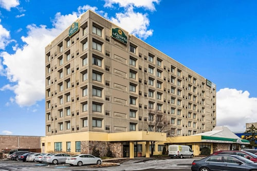 . La Quinta Inn & Suites by Wyndham New Haven