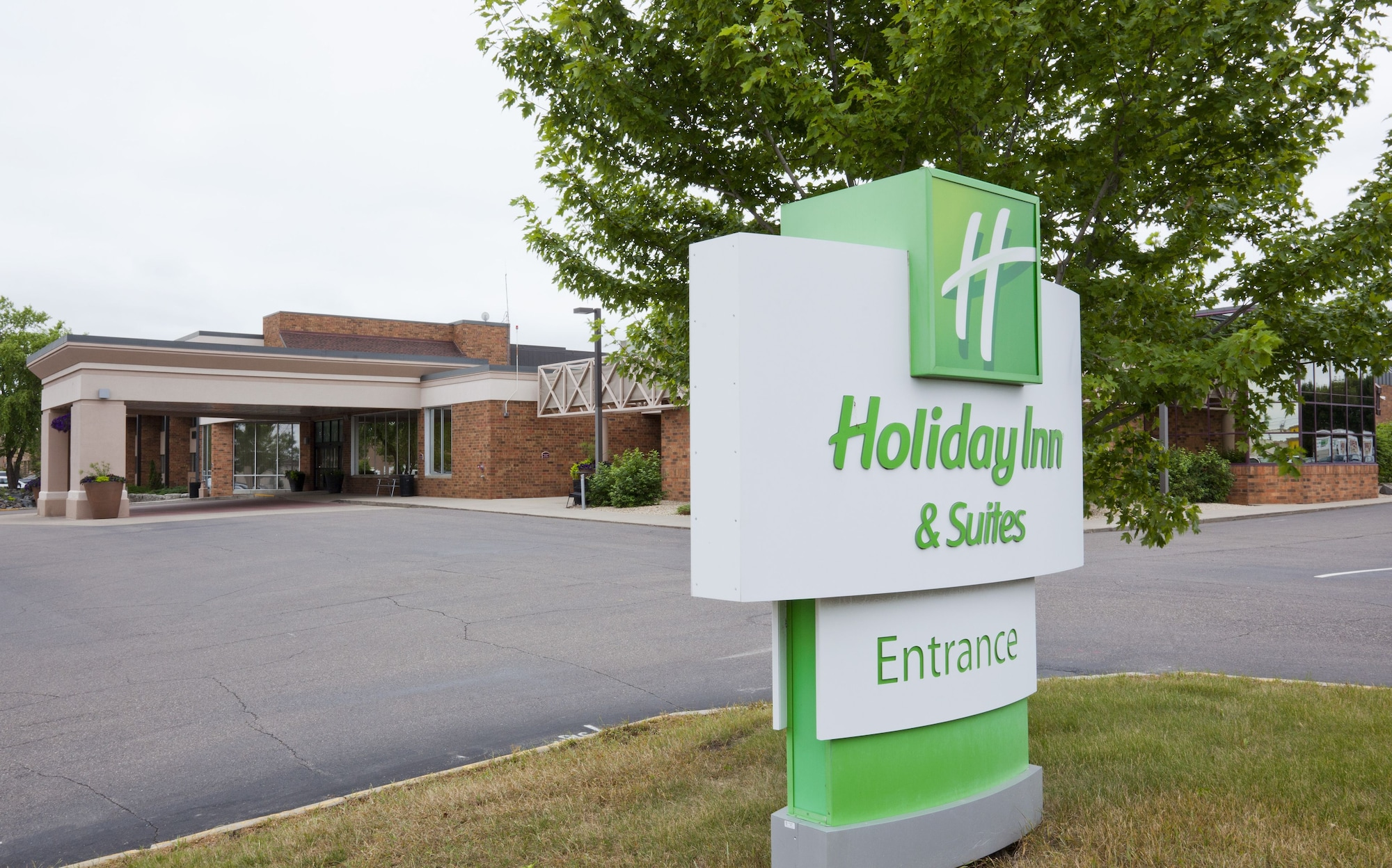Holiday Inn Hotel & Suites - St. Cloud, Stearns