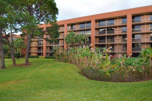 Clarion Inn Lake Buena Vista, a Rosen Hotel image 36