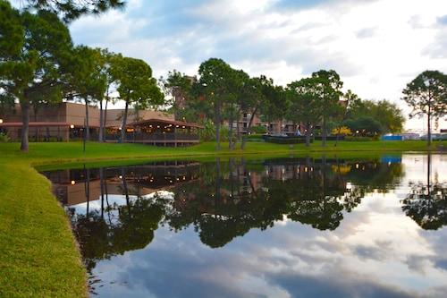 Clarion Inn Lake Buena Vista, a Rosen Hotel image 39