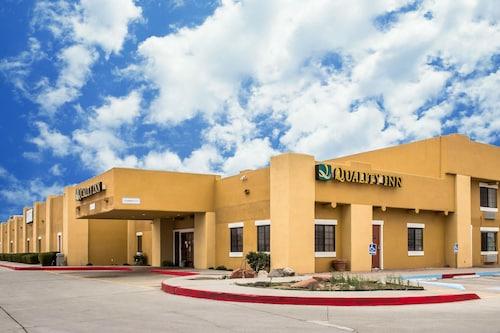 . Quality Inn Winslow I-40