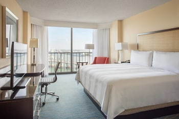 Room, 1 King Bed, Bay View (Port of Miami)