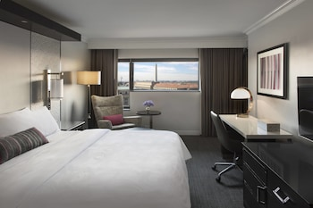 Executive Room, 1 King Bed, View, Executive Level (Pennsylvania Avenue View)