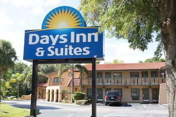 Hotel - Days Inn & Suites by Wyndham Altamonte Springs