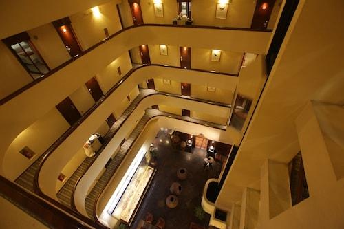 Galerías Hotel, Santiago