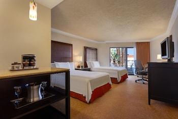 Room, 2 Queen Beds, Resort View (Huntington Tower)