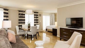 Studio Suite, 1 King Bed, Oceanfront (Huntington Tower)