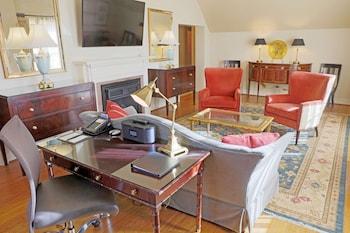 Suite, 2 Bedrooms, 2 Bathrooms (Governor)