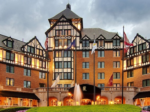 . Hotel Roanoke & Conference Ctr, Curio Collection by Hilton