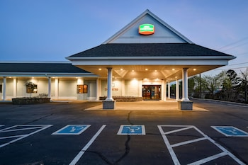 Courtyard By Marriott Cape Cod..