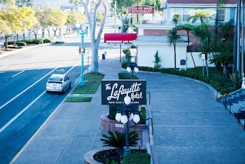 Street View at The Lafayette Hotel, Swim Club & Bungalows in San Diego