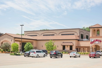 Ramada Tropics Resort and Conference Center Des Moines