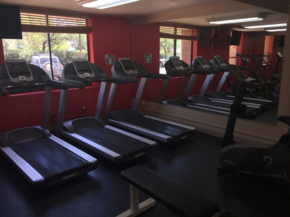 Health and Fitness : Gym 53 of 109