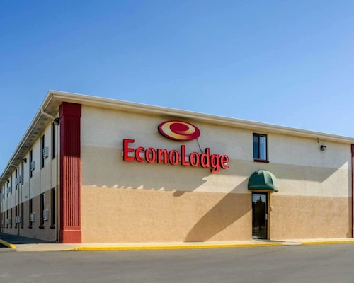 . Econo Lodge Interstate 35 Exit 183