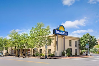 Hotel - Days Inn by Wyndham Silver Spring