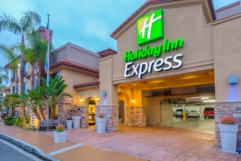 Exterior at Holiday Inn Express San Diego - SeaWorld Area in San Diego
