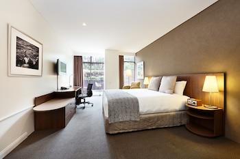 Urban Terrace Room